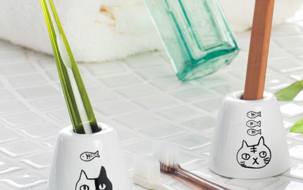 【猫の雑貨♪】歯を大切に!!見た目の可愛い猫の歯ブラシスタンド♪